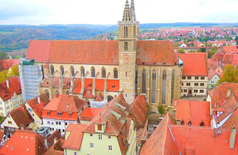 ドイツのローテンブルクの市庁舎の塔からの眺め