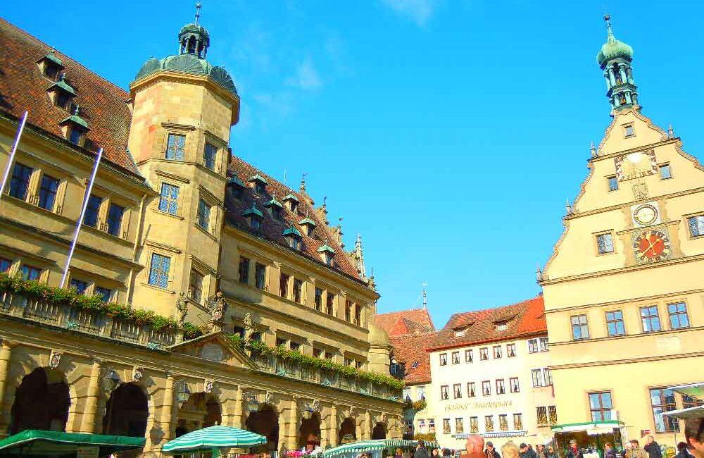 ドイツのローテンブルクの市庁舎前