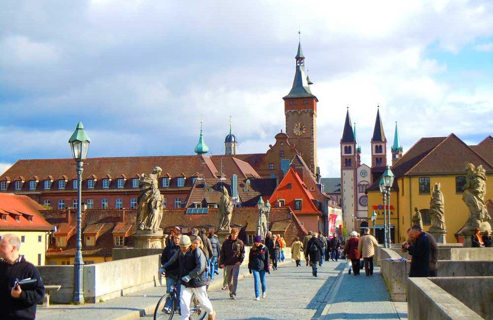 ドイツのヴュルツブルクのマリエンベルク要塞のマリア教会