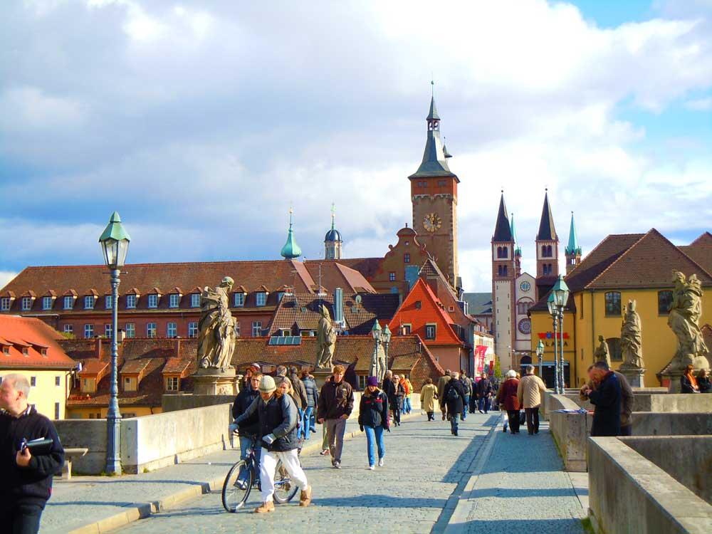 【ヴュルツブルク】魅惑の中世都市をお散歩/ドイツ