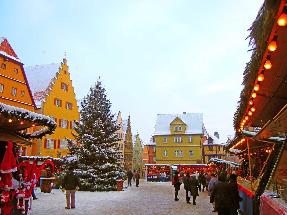 ドイツのローテンブルクのクリスマスマーケット
