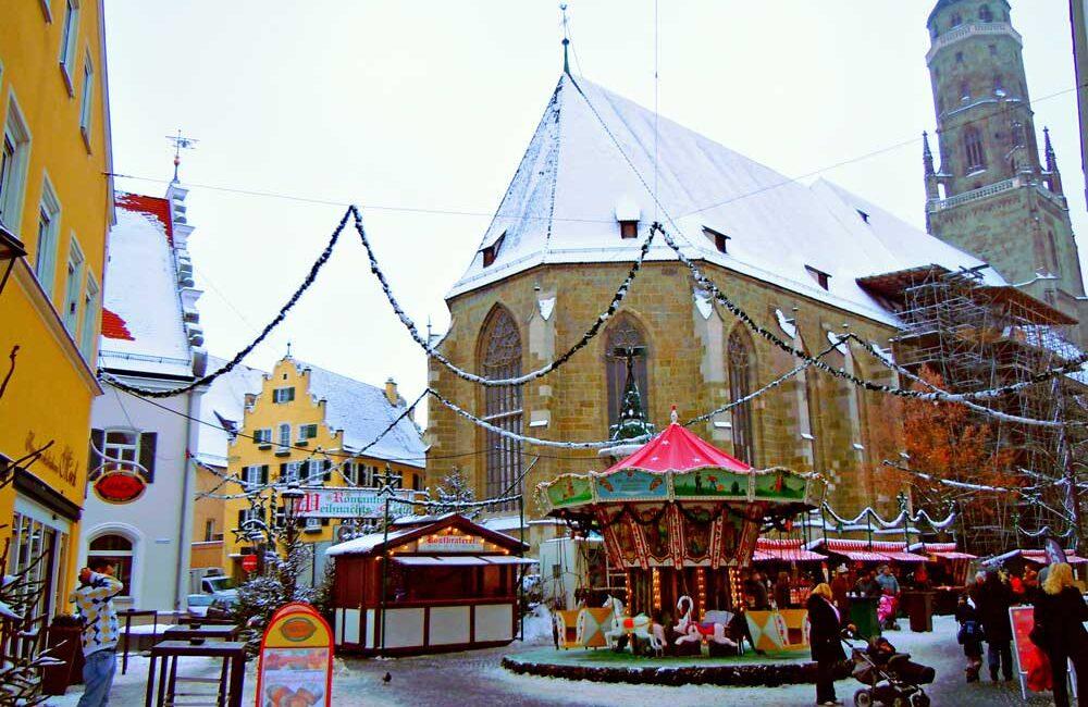 ドイツのネルトリンゲンの聖ゲオルク教会