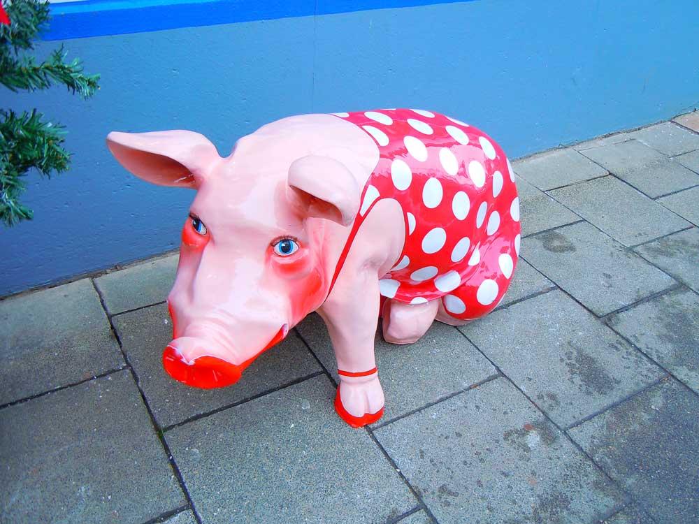 ドイツのネルトリンゲンの豚の置き物