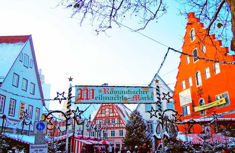 ドイツのネルトリンゲンのクリスマスマーケット