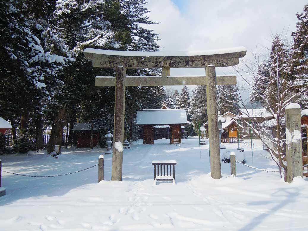 島根県出雲市にある須佐神社の鳥居の写真